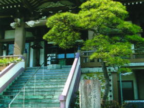 東陽寺と記念碑